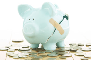 Quit Hurting the Piggy Bank & Start Tracking Your Money!
